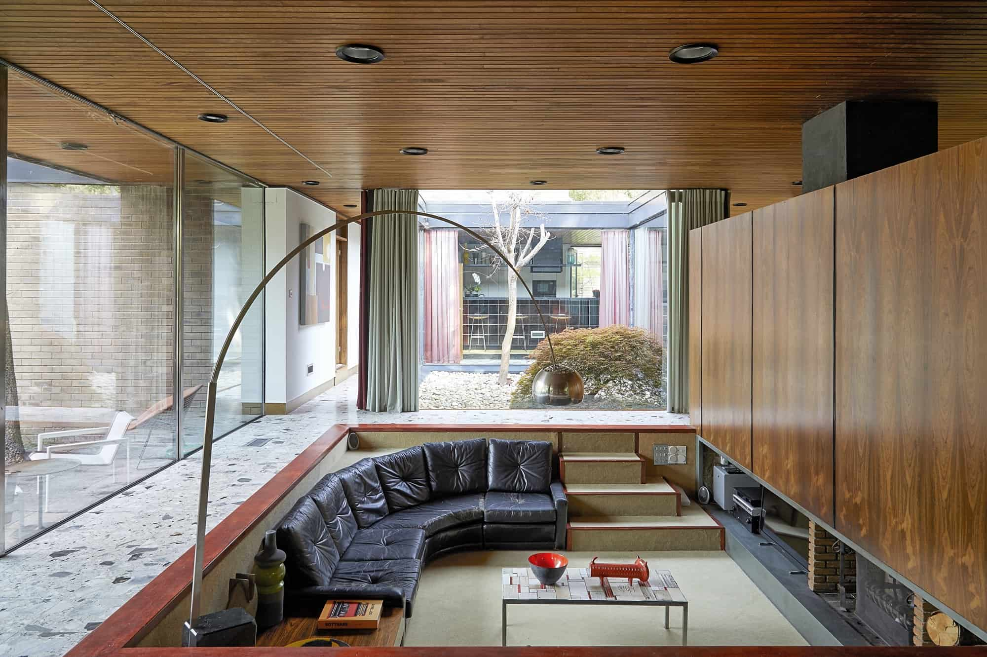 The Modernist House NG15 - A very special mid-century home with original interiors and authentic furniture and accessories - The Location Guys