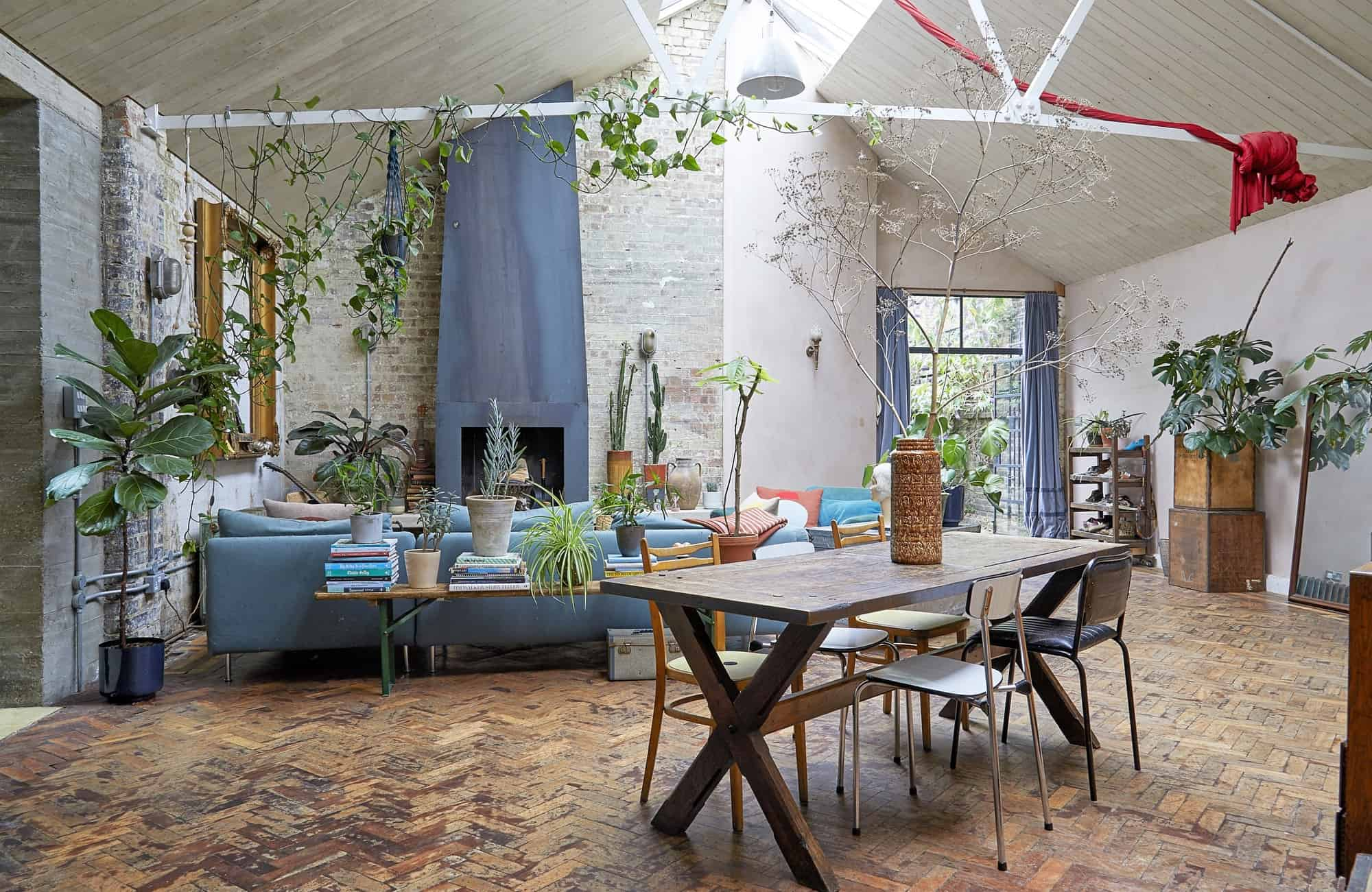 The Old laundry E5 - Versatile shoot location in a London Warehouse with exposed brick, concrete and lots of quirky features - The Location Guys